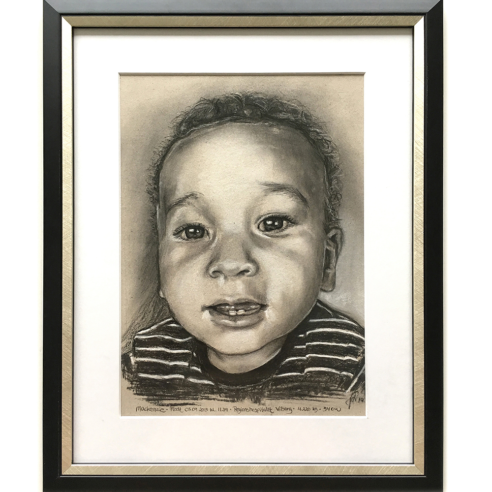 portraettegning_barn_barnedaab_barsel_mackenzie_gaveide